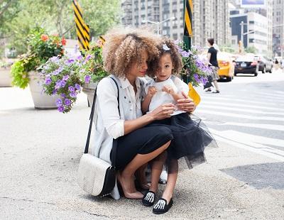 So schützen Sie Ihre Kinder vor negativen Einflüssen Bild oben