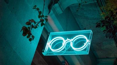 Die neue Brille online kaufen!? Bild oben unsplash.com - Zuzanna Adamczyk